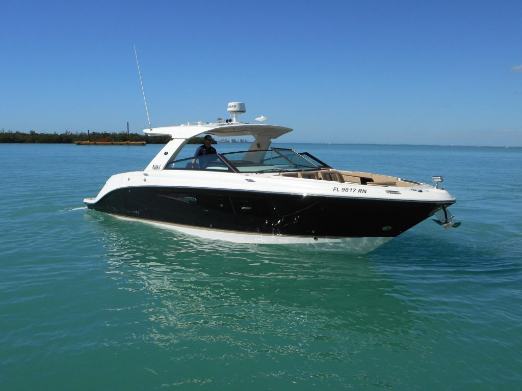 2018 Sea Ray boat for sale, model of the boat is 400 SLX & Image # 2 of 53
