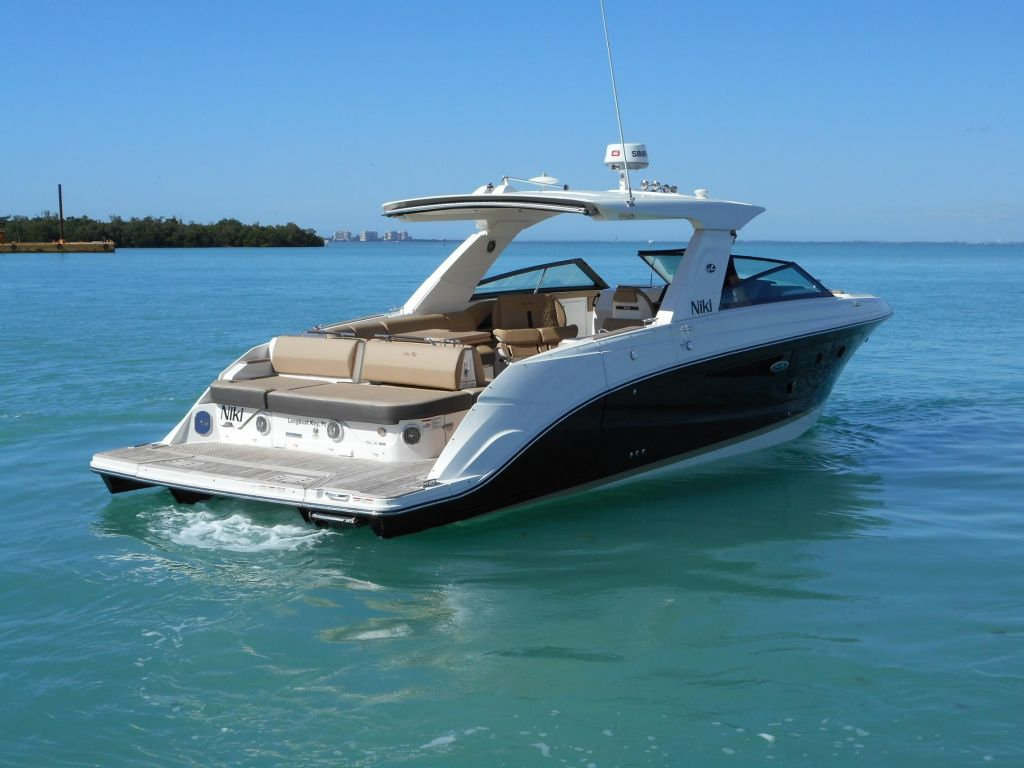 2018 Sea Ray boat for sale, model of the boat is 400 SLX & Image # 15 of 53