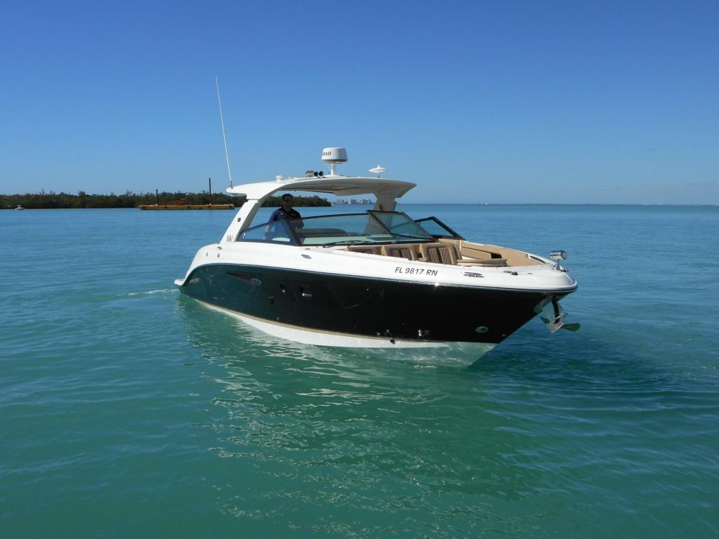 2018 Sea Ray boat for sale, model of the boat is 400 SLX & Image # 3 of 53