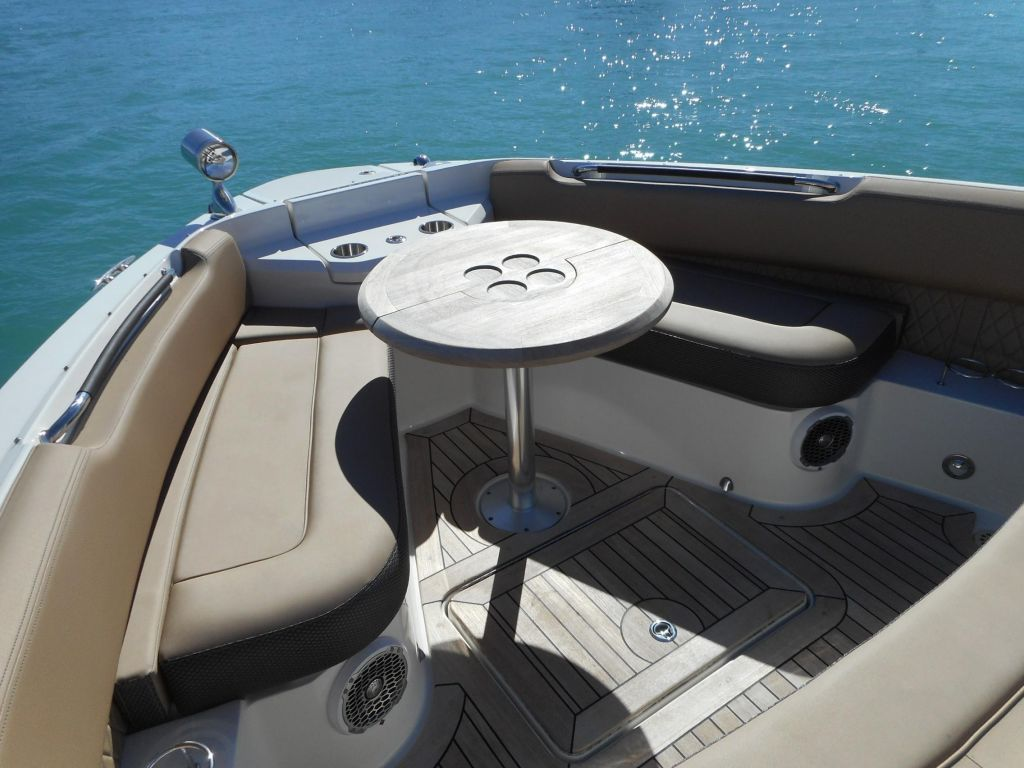 2018 Sea Ray boat for sale, model of the boat is 400 SLX & Image # 21 of 53