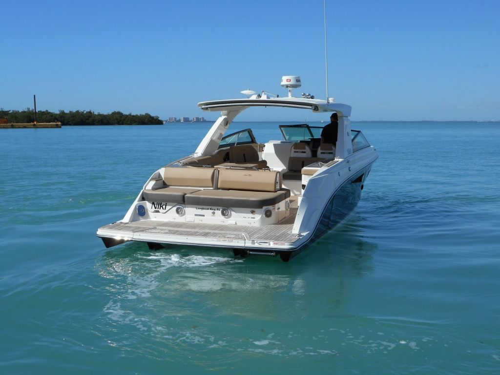 2018 Sea Ray boat for sale, model of the boat is 400 SLX & Image # 14 of 53