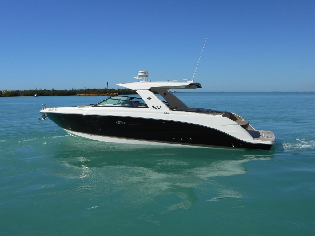2018 Sea Ray boat for sale, model of the boat is 400 SLX & Image # 9 of 53