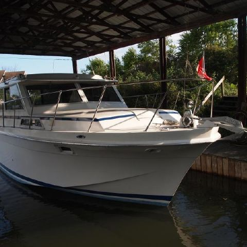 For Sale: 1979 Uniflite 36' 39ft<br/>Hutchinson's Boat Works