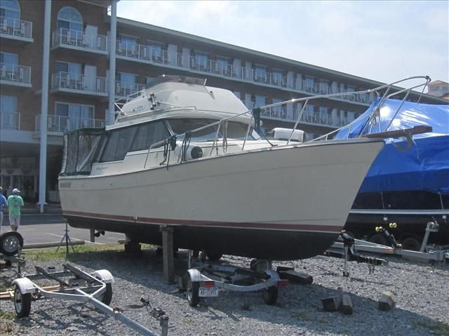 For Sale: 1983 Bayliner 32ft<br/>Hutchinson's Boat Works