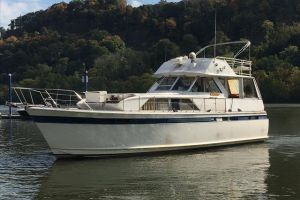 1975 CHRIS CRAFT COMMANDER for sale