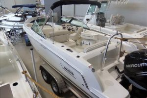2016 BOSTON WHALER 230 for sale