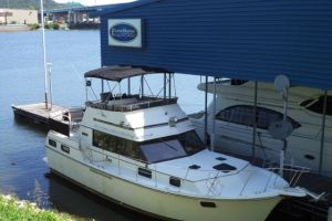 1985 CARVER 3607 MOTOR YACHT for sale
