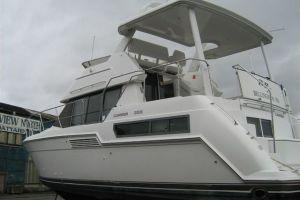 1996 CARVER 355 AFTCABIN for sale