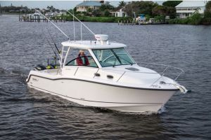 2018 BOSTON WHALER 315 for sale