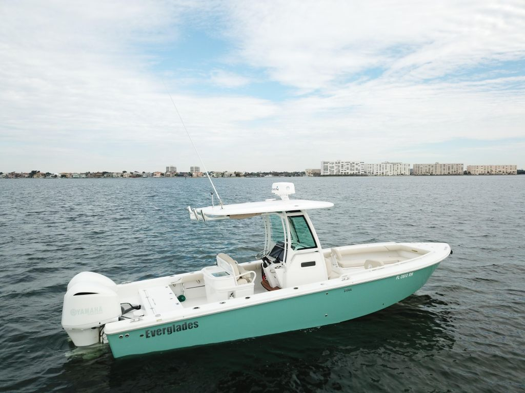Used 2018 Everglades 273 Center Console For Sale