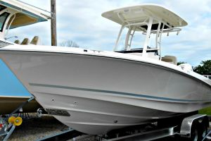 2018 BOSTON WHALER 230 OUTRAGE for sale