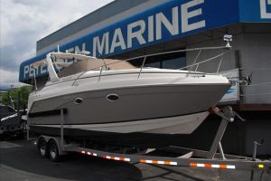 2005 RINKER FIESTA VEE 270 EXPRESS CRUISER for sale