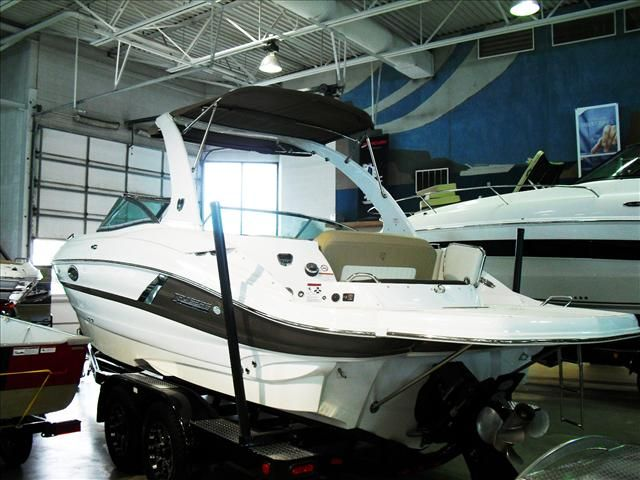 2015 Cruisers Yachts boat for sale, model of the boat is 278 & Image # 1 of 13