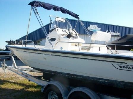 2007 Boston Whaler boat for sale, model of the boat is 220 & Image # 2 of 10