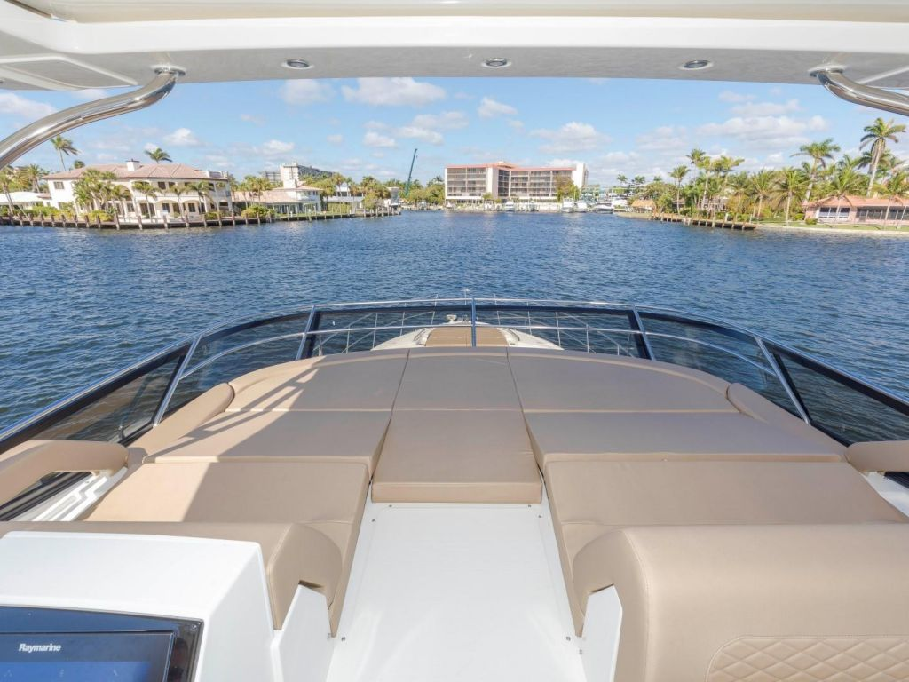 2018 Sea Ray boat for sale, model of the boat is L650 Fly & Image # 32 of 73