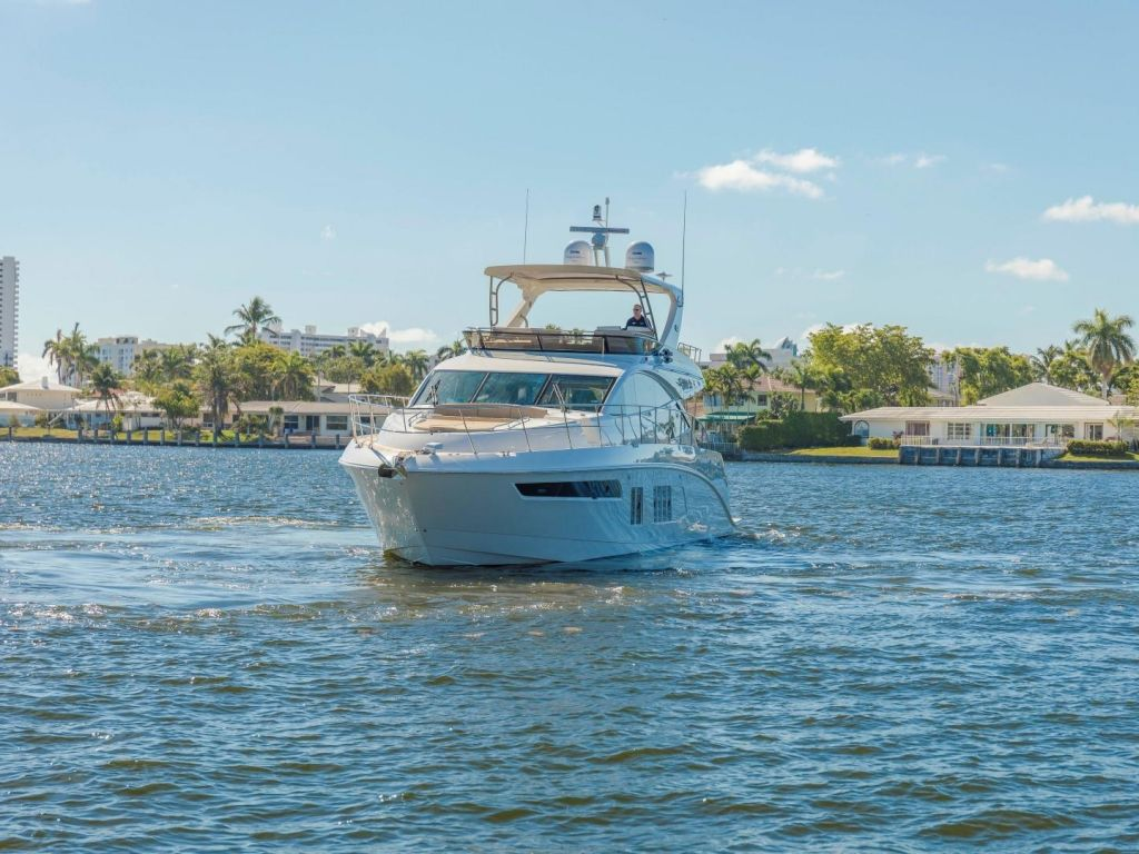 2018 Sea Ray boat for sale, model of the boat is L650 Fly & Image # 14 of 73