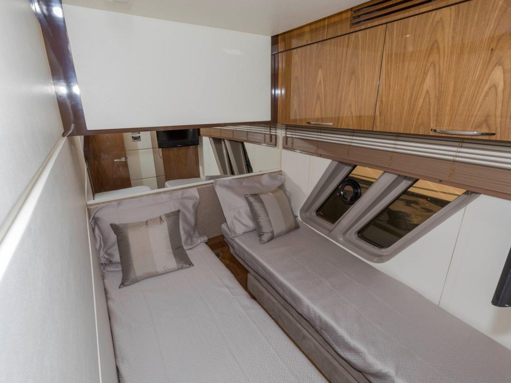 2018 Sea Ray boat for sale, model of the boat is L650 Fly & Image # 54 of 73