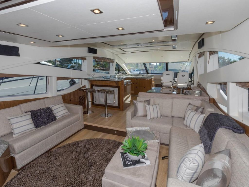 2018 Sea Ray boat for sale, model of the boat is L650 Fly & Image # 38 of 73