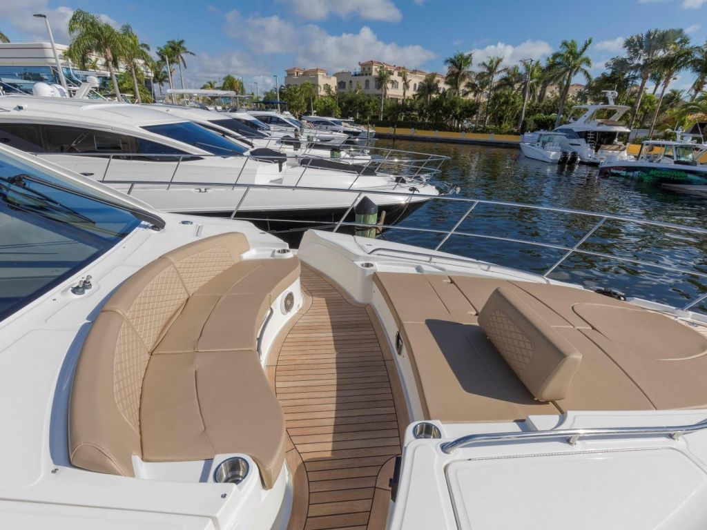 2018 Sea Ray boat for sale, model of the boat is L650 Fly & Image # 21 of 73