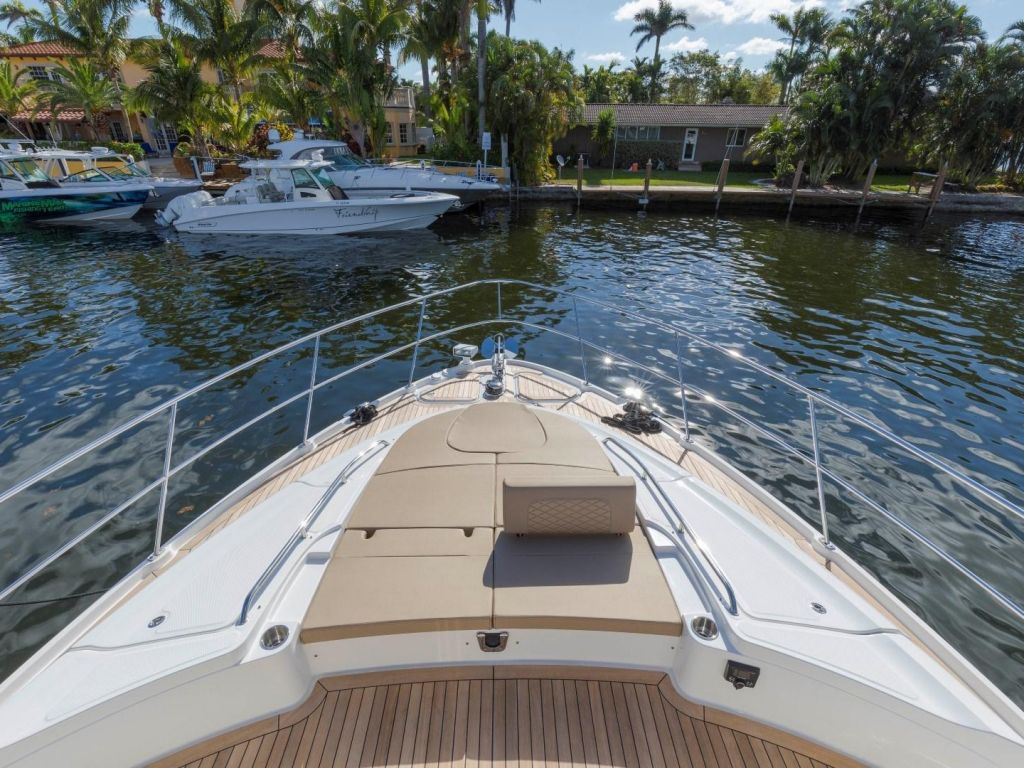 2018 Sea Ray boat for sale, model of the boat is L650 Fly & Image # 19 of 73