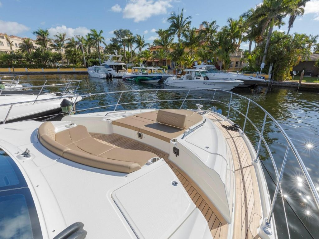 2018 Sea Ray boat for sale, model of the boat is L650 Fly & Image # 20 of 73