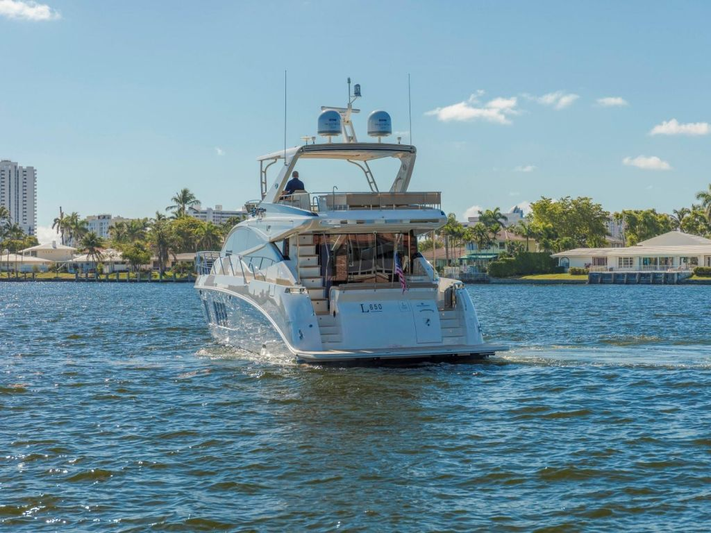 2018 Sea Ray boat for sale, model of the boat is L650 Fly & Image # 5 of 73