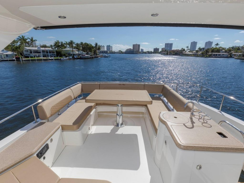 2018 Sea Ray boat for sale, model of the boat is L650 Fly & Image # 34 of 73