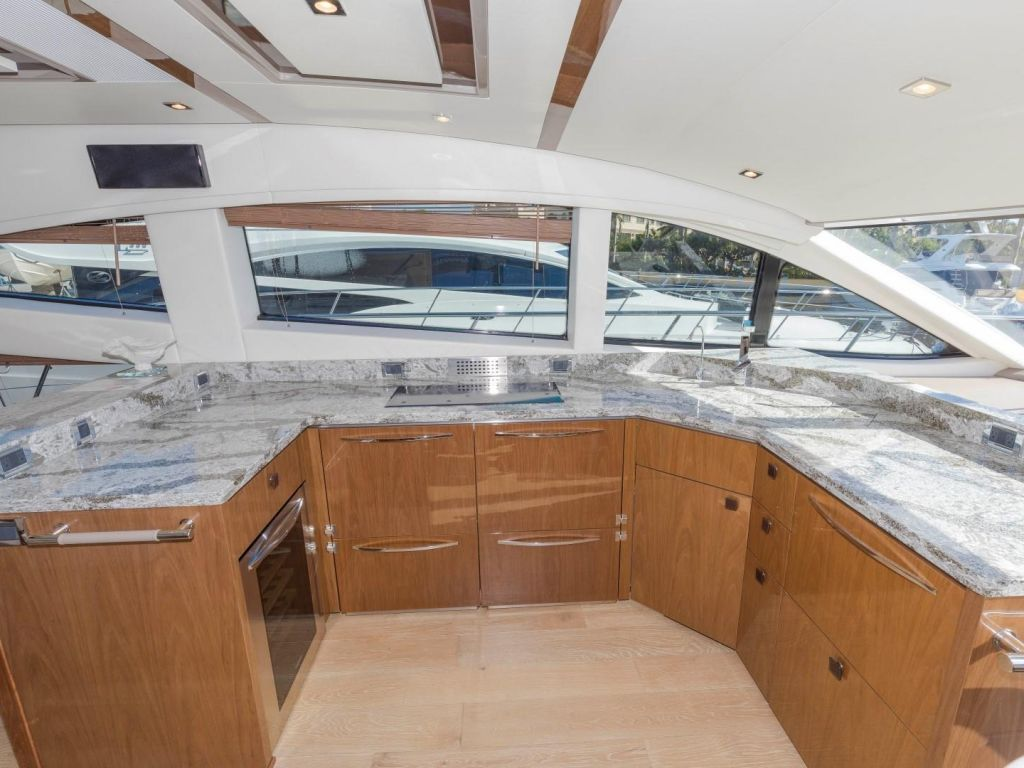 2018 Sea Ray boat for sale, model of the boat is L650 Fly & Image # 44 of 73
