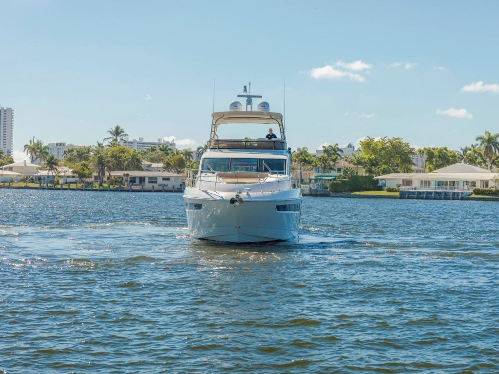 2018 Sea Ray boat for sale, model of the boat is L650 Fly & Image # 13 of 73
