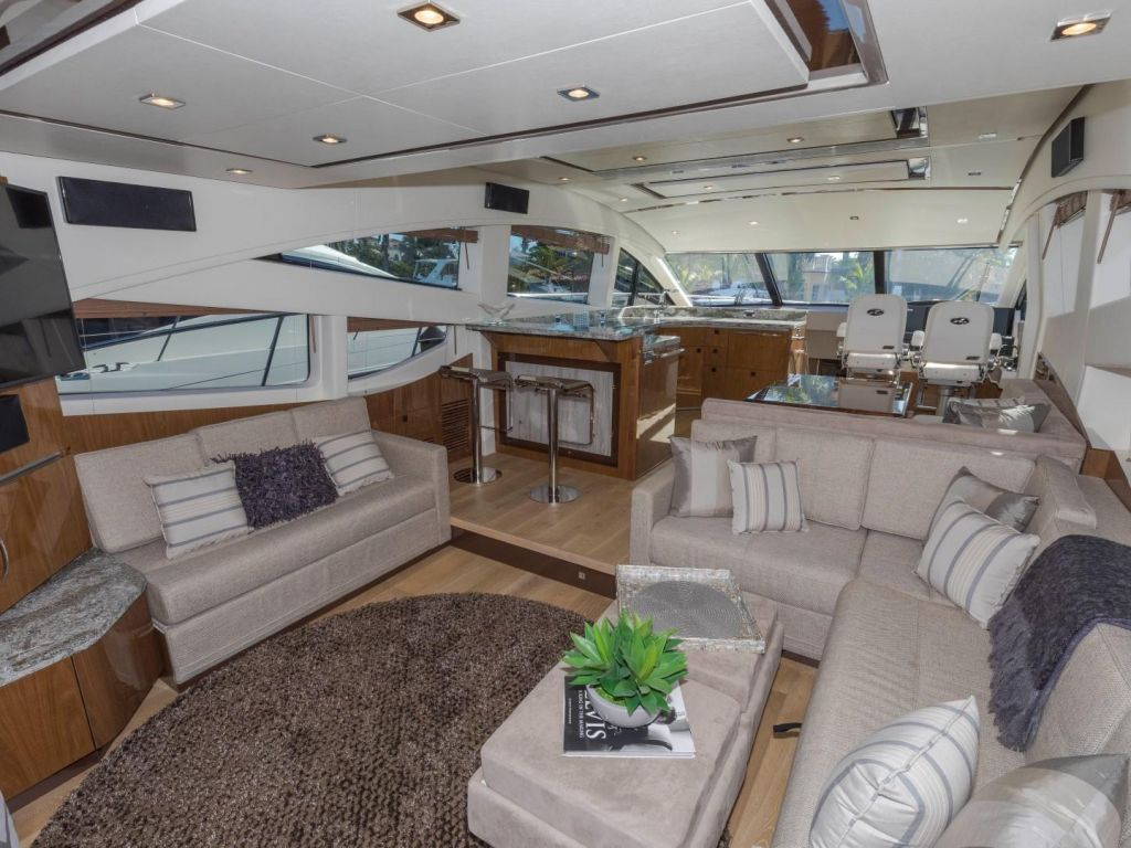 2018 Sea Ray boat for sale, model of the boat is L650 Fly & Image # 40 of 73