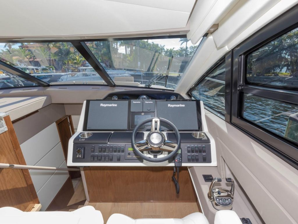 2018 Sea Ray boat for sale, model of the boat is L650 Fly & Image # 48 of 73
