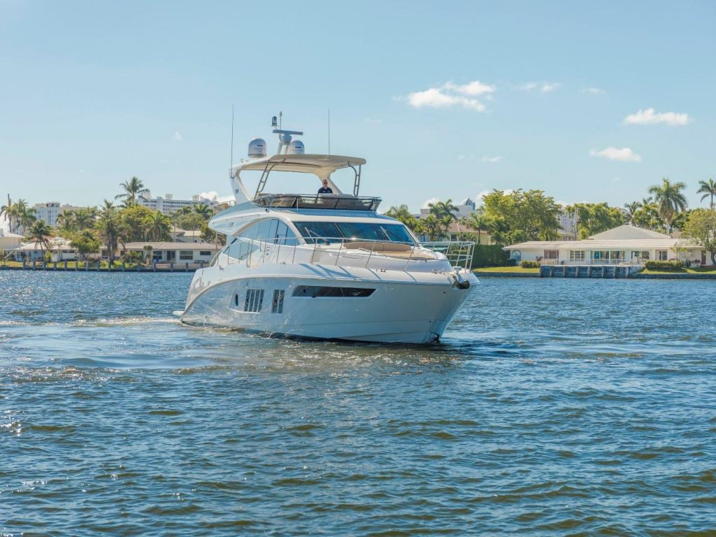 2018 Sea Ray boat for sale, model of the boat is L650 Fly & Image # 12 of 73