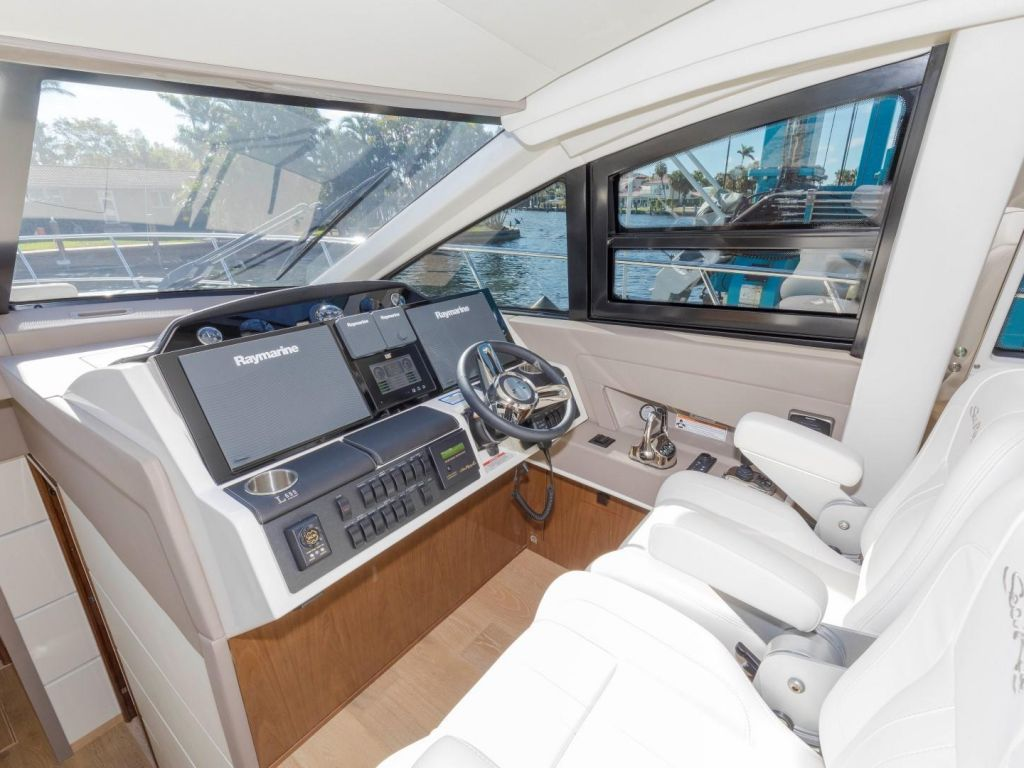 2018 Sea Ray boat for sale, model of the boat is L650 Fly & Image # 46 of 73