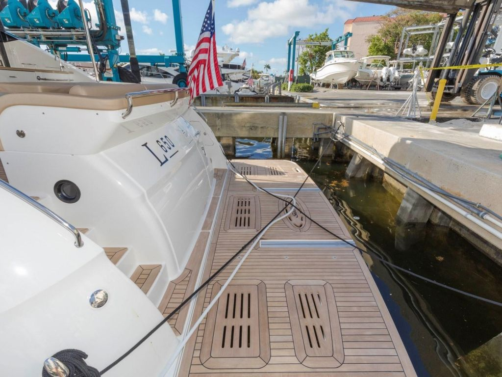 2018 Sea Ray boat for sale, model of the boat is L650 Fly & Image # 24 of 73