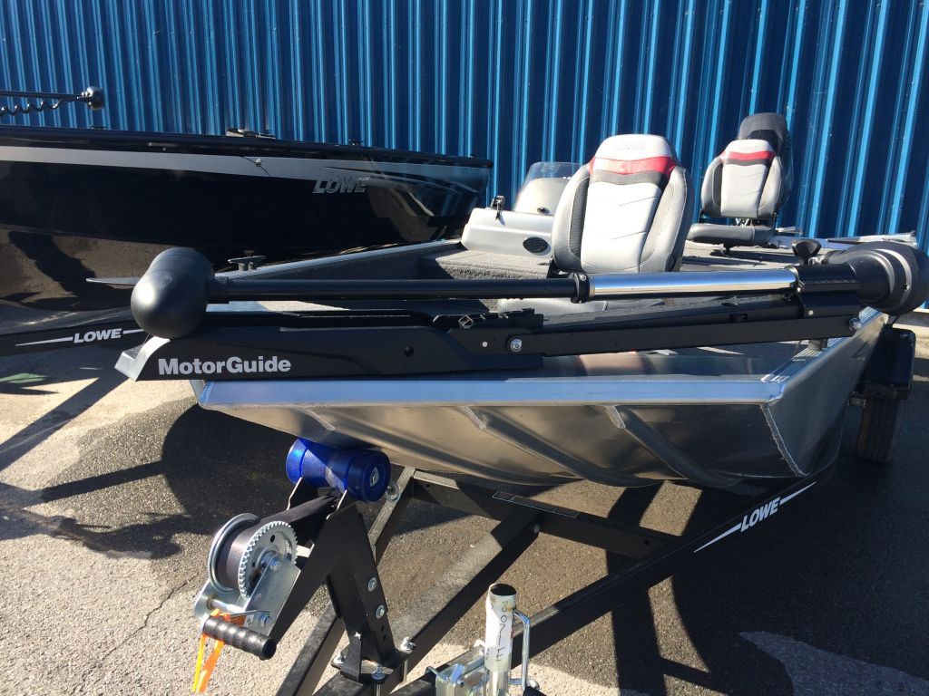 2017 Lowe boat for sale, model of the boat is Stryker 17 & Image # 2 of 10