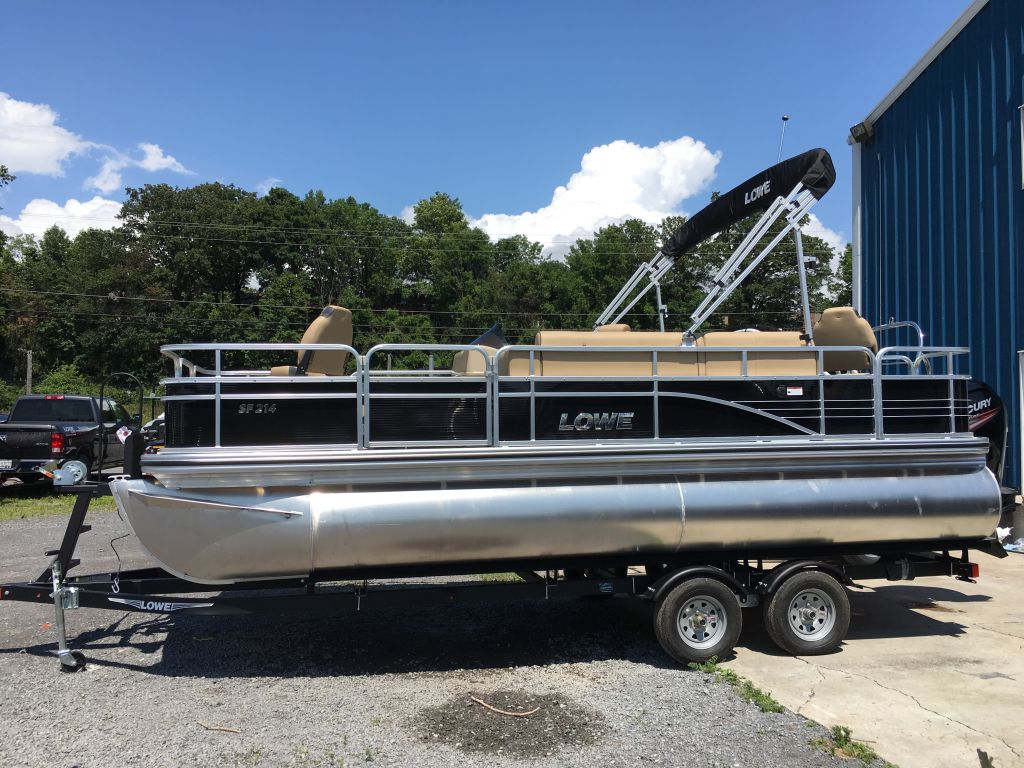 For Sale: 2017 Lowe Sf214 Tri-toon 21.3ft<br/>The Boat Warehouse - Kingston