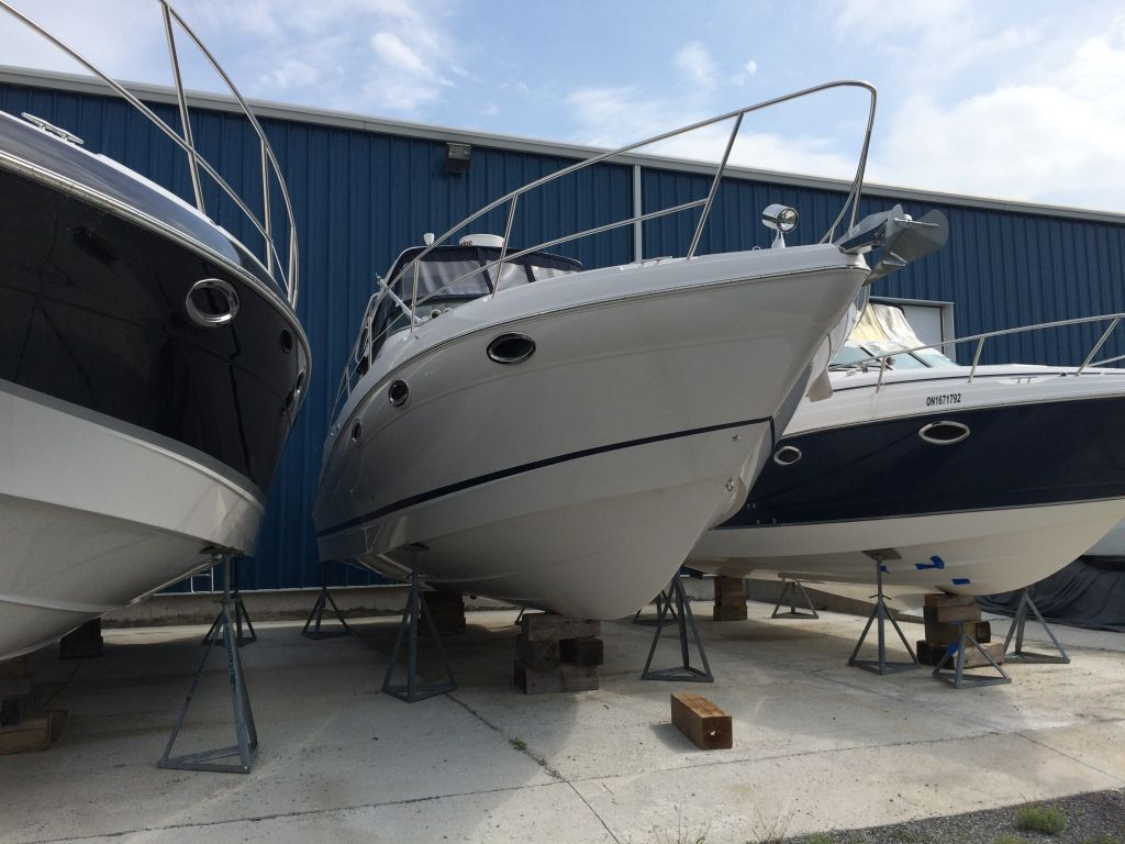 For Sale: 2017 Four Winns V335 Volvo Twin V8 300hp Joystick Generator Ac/heat Navigation Package With Gps Chartplotter 33ft<br/>The Boat Warehouse - Kingston