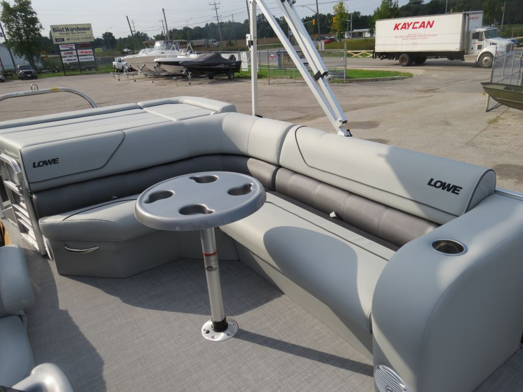 2017 Lowe boat for sale, model of the boat is SS210 Mercury 115HP Trailer Full Enclosure Tri-Toon & Image # 14 of 28