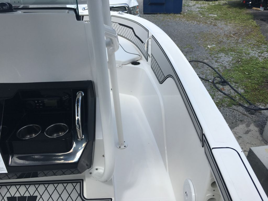 2018 Wellcraft boat for sale, model of the boat is 182 Fisherman Mercury 115 EXLPT 4S & Image # 13 of 26