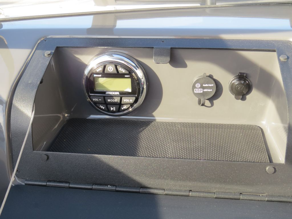 2018 Glastron boat for sale, model of the boat is GTS 180 Mercury 115HP  Trailer & Image # 3 of 19