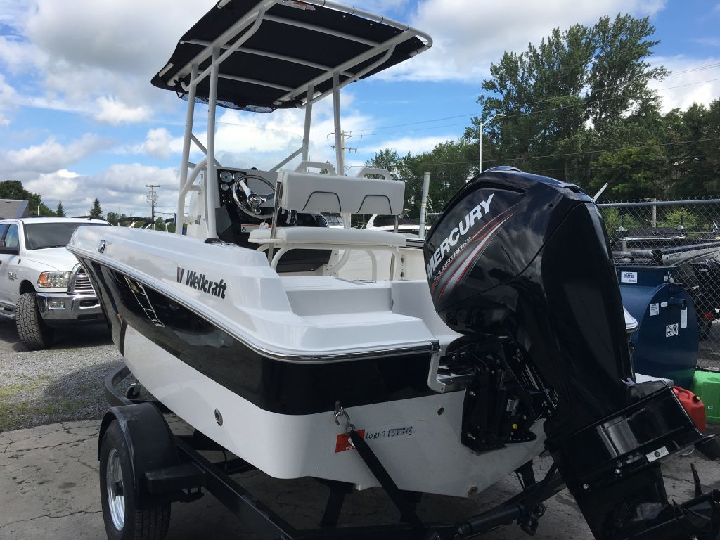 2018 Wellcraft boat for sale, model of the boat is 182 Fisherman Mercury 115 EXLPT 4S & Image # 2 of 26