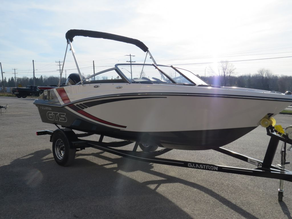2018 Glastron boat for sale, model of the boat is GTS 180 Mercury 115HP  Trailer & Image # 12 of 19