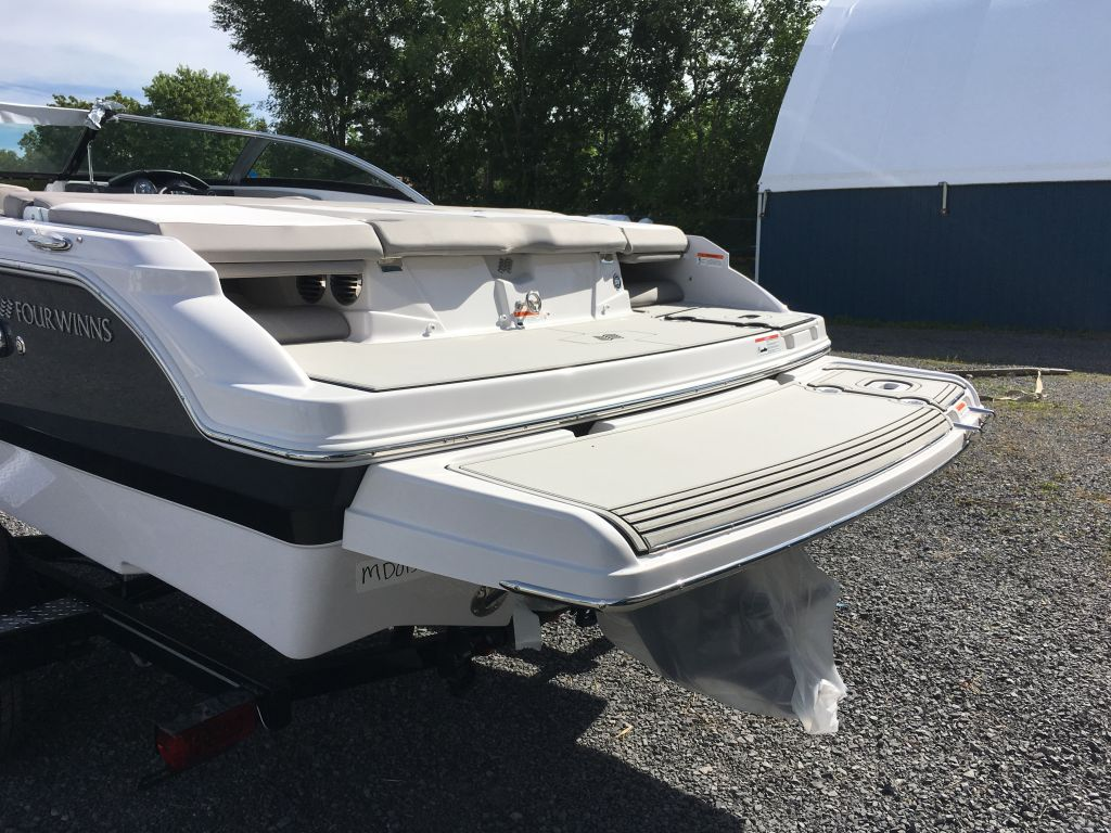 2018 Four Winns boat for sale, model of the boat is H190 Volvo Penta 200HP Trailer Ext Platform & Image # 7 of 33