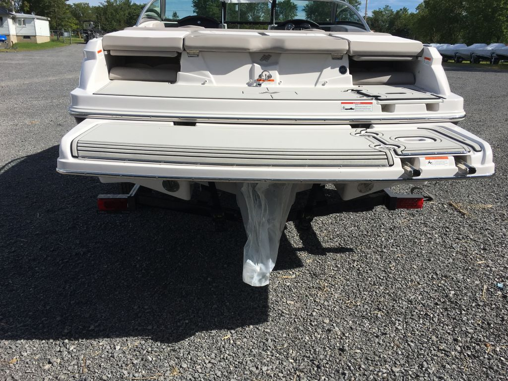2018 Four Winns boat for sale, model of the boat is H190 Volvo Penta 200HP Trailer Ext Platform & Image # 10 of 33