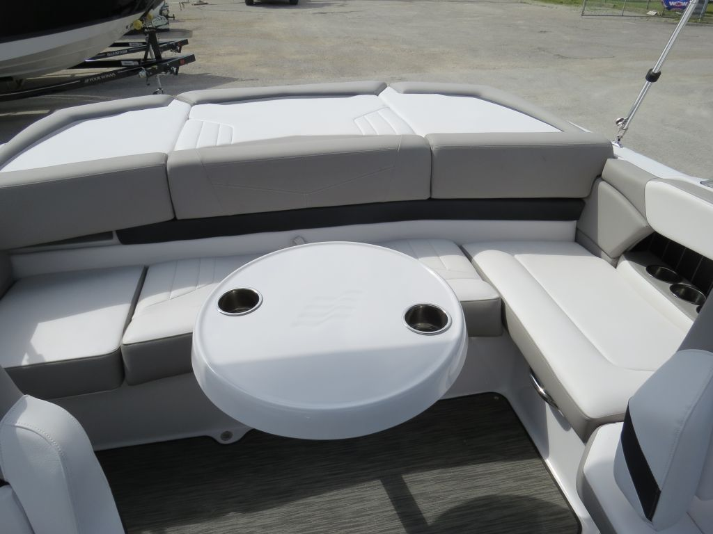 2018 Four Winns boat for sale, model of the boat is H210 Mercruiser 250HP Trailer & Image # 20 of 35