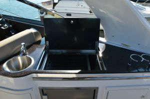 2016 Regal 32 Express Boat Test Photo