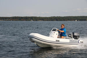 2018 Highfield CL 360 Reviewed On BoatTest.ca