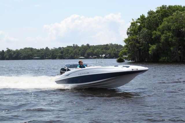 2017 Tahoe 2150 OB Boat Test & Review 1242 | Boat Tests