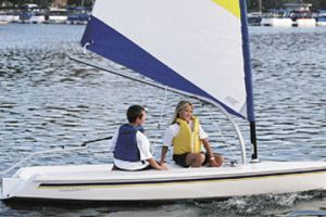 2011 Catalina Yachts 12.5 EXPO Buyers Guide Photo