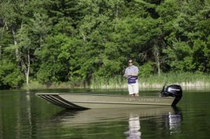 2018 Crestliner 1546 RETRIEVER JON Buyers Guide Photo